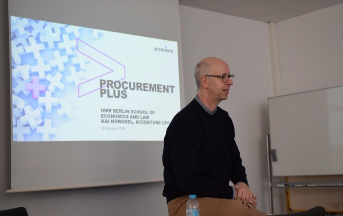 Chief Procurement Officer of Accenture discusses the Future Role of Analytics in Procurement with BIPM students